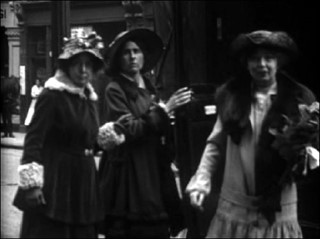 Suffragettes calling for arrest of Bonar Law and Carson