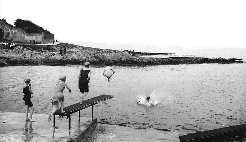 Swimming at bangor view media northern ireland screen - Bangor swimming pool northern ireland ...